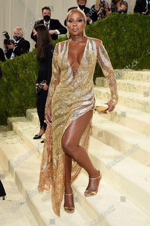 """Mary J. Blige attends The Metropolitan Museum of Art's Costume Institute benefit gala celebrating the opening of the """"In America: A Lexicon of Fashion"""" exhibition, in New York"""