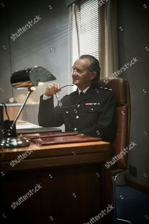Stock Image of Anton Lesser as Chief Super Reginald Bright.