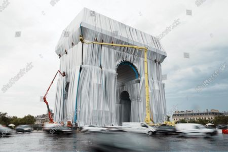 Wrapping of the Arc de Triomphe by Artist Christo, Paris