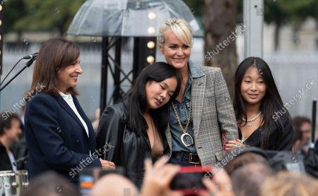 Laeticia Hallyday with daughters Jade Hallyday and Joy Hallyday and Paris Mayor Anne Hidalgo
