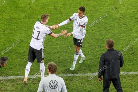 Substitution, Marco Reus #11 (Germany) is coming, Jamal Musiala #14 (Germany) goes