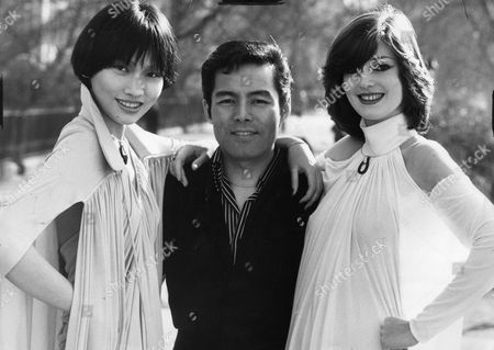 Yuki Torimaru Japanese Fashion Designer Seen Here With Some Models Wearing His Creations In Green Park.