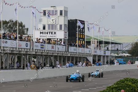 Stock Photo of #139 Sarah Porter, driven by Robert Barrie. 1959 Stanguellini-Fiat and #23 Justin Fleming, 1960 Lola-Ford Mk2, Chichester Cup during the Goodwood Revival Goodwood, Chichester, UK