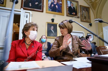 Rep. Jan Schakowsky, D-Ill., left, and Rep. Cathy McMorris Rodgers, R-Wash., right, prepare to make statements before the House Rules Committee as Democrats work to offset the new restrictive abortion law in Texas, at the Capitol in Washington