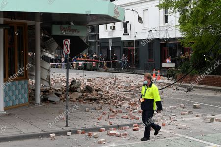 Stock Picture of Damage to the exterior of Betty's Burgers on Chappel Street in Windsor following an earthquake, Melbourne, Australia, 22 September 2021. Victoria State Emergency Service confirmed the earthquake was 6.0 on the richer scale and eminated from Mansfield, Victoria.