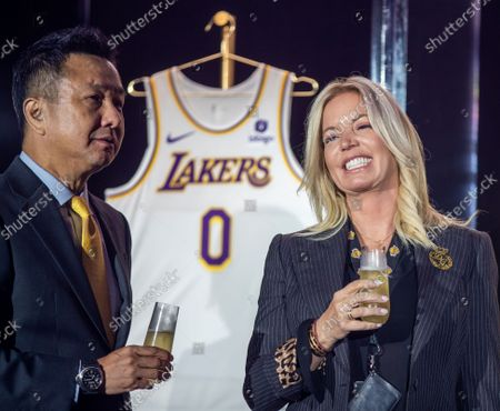 Stock Picture of Wookho Kyeong, left, CMO of CJ CheilJedang, and Jeanie Buss, CEO / Governor / Co-owner of the Los Angeles Lakers, toast as the Lakers host a 2021-2022 season kick-off event to unveil and announce a new global marketing partnership with Bibigo, which will appear on the Lakers' jersey at the UCLA Health Training Center in El Segundo on Monday, Sept. 20, 2021. (Allen J. Schaben / Los Angeles Times)