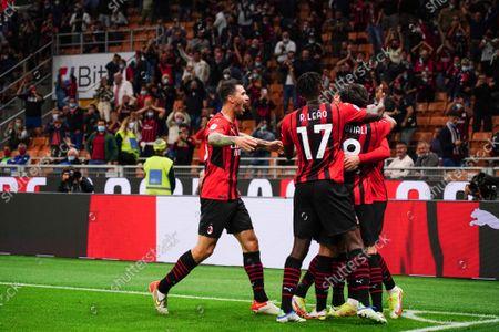 the team (Milan) celebrates the goal of Theo Hernandez (Milan)