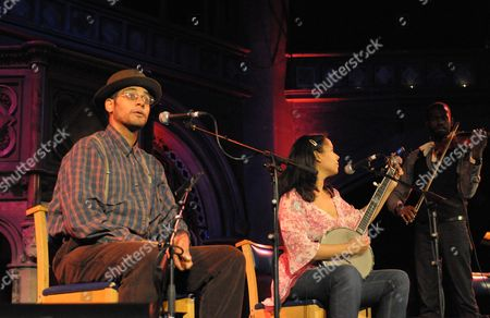 Carolina Chocolate Drops - Dom Flemons, Rhiannon Giddens and Justin Robinson