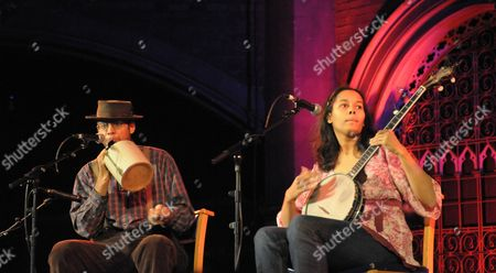 Carolina Chocolate Drops - Dom Flemons and Rhiannon Giddens