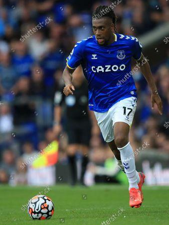 Alex Iwobi of Everton runs with the ball; Goodison Park, Liverpool, England; Premier League football, Everton versus Norwich.