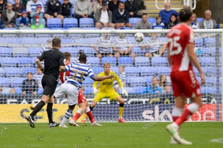 Junior Hoilett (23) of Reading shoots at goal during the EFL Sky Bet Championship match between Reading and Middlesbrough at the Select Car Leasing Stadium, Reading