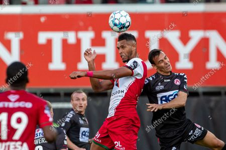 Essevee's Zinho Gano and Kortrijk's Trent Sainsbury fight for the ball during a soccer match between SV Zulte Waregem and KV Kortrijk, Saturday 25 September 2021 in Waregem, on day 9 of the 2021-2022 'Jupiler Pro League' first division of the Belgian championship.