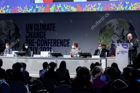 Stock Image of Greta Thunberg, Vanessa Nakate, Roberto Cingolani, Patricia Espinosa, Giuseppe Sala during the opening of a three-day Youth for Climate summit in Milan, Italy, 28 Sept 2021