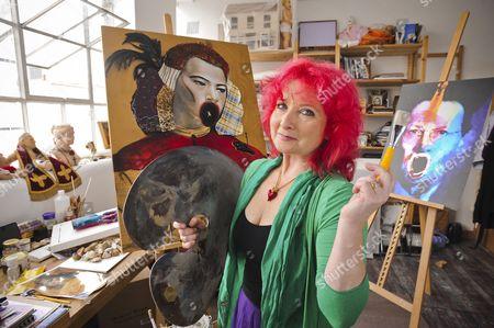 Stock Image of Triona Holden in her artist studio at Euroart in Tottenham.