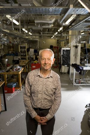 Dr Russell Stannard, Professor Emeritus of Physics at the Open University.