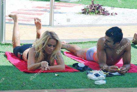 Pamela Anderson, Ashmit Patel