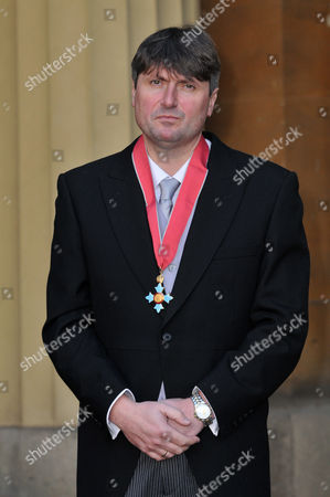 Mr. Simon Armitage. The Most Excellent Order of the British Empire.