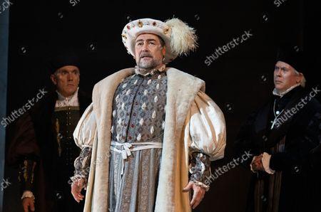 Ben Miles as Thomas Cromwell, Nathaniel Parker as Keng Henry,  Giles Taylor as Archbishop Cranmer