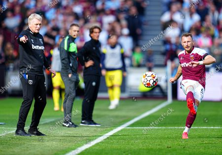 West Ham manager David Moyes shoots instructions at Vladimir Coufal