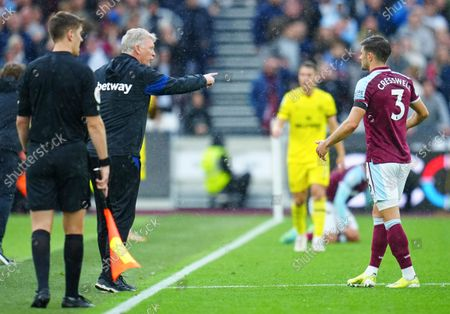 West Ham manager David Moyes points at  Aaron Cresswell