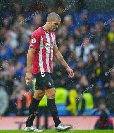 Oriol Romeu of Southampton reacts after the second Chelsea goal