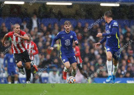 Timo Werner of Chelsea is tracked by Oriol Romeu of Southampton; Stamford Bridge, Chelsea, London, England; Premier League football Chelsea versus Southampton.