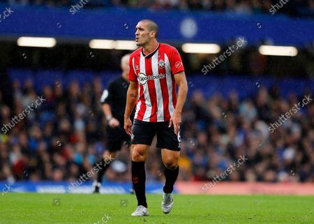 Oriol Romeu of Southampton; Stamford Bridge, Chelsea, London, England; Premier League football Chelsea versus Southampton.