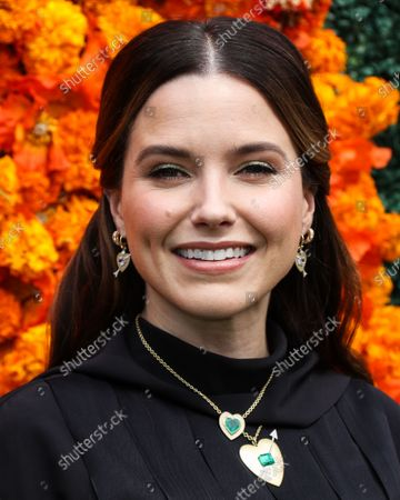 PACIFIC PALISADES, LOS ANGELES, CALIFORNIA, USA - OCTOBER 02: Actress Sophia Bush arrives at the Veuve Clicquot Polo Classic Los Angeles 2021 held at the Will Rogers State Historic Park on October 2, 2021 in Pacific Palisades, Los Angeles, California, United States.