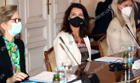 Swedish Minister of Foreign Affairs Ann Linde (C), during the meeting with members of Bosnian Presidency, in Sarajevo, Bosnia and Herzegovina, 04 October 2021.