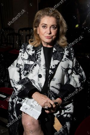 Stock Photo of Catherine Deneuve attends the Louis Vuitton Spring-Summer 2022 ready-to-wear fashion show presented in Paris