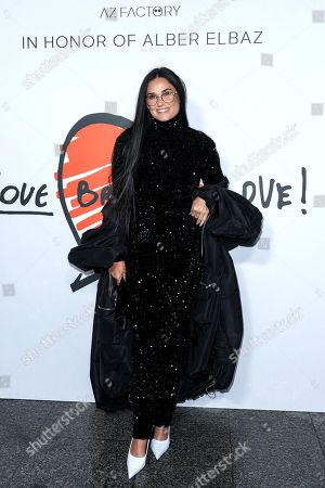 """Demi Moore is waiting for the """"Love Brings Love"""" Show """"In Honor Of Alber Elbaz By AZ Factory at Le Carreau Du Temple"""