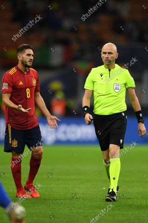 """Stock Image of Koke Jorge Resurreccion Merodio (Spain)Sergey Karasev (Referee)                       during the Uefa """"Nations League 2020-2021"""" match between Italy 1-2 Spain   at Giuseppe Meazza Stadium in Milano, Italy."""