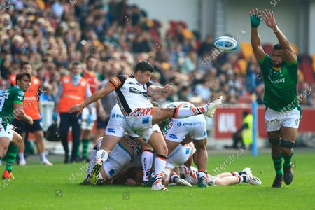 Ben Youngs of Leicester Tigers clears the ball out; Brentford Community Stadium, Brentford, London; Gallagher Premiership Rugby, London Irish versus Leicester Tigers.
