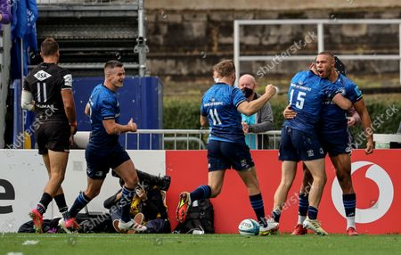 Leinster vs Zebre. Leinster's Adam Byrne celebrates after scoring a try with Johnny Sexton, Jordan Larmour and Jimmy O'Brien