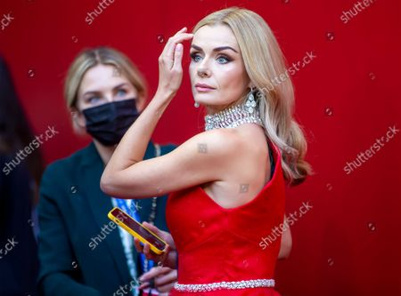Stock Image of Opera Singer Katherine Jenkins prepares to sing the Nation anthem before the game between the Atlanta Falcons and the New York Jets