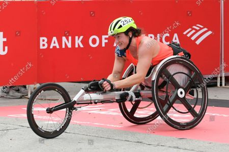 Tatyana McFadden of the United States, wins the Women's wheelchair 2021 Bank of America Chicago Marathon, in Chicago
