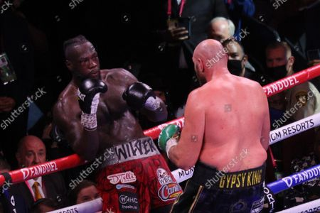 Deontay Wilder leans back on the ropes to evade Tyson Fury during the Tyson Fury vs Deontay Wilder III 12-round Heavyweight boxing match, at the T-Mobile Arena in Las Vegas, Nevada on Saturday, October 9th, 2021.