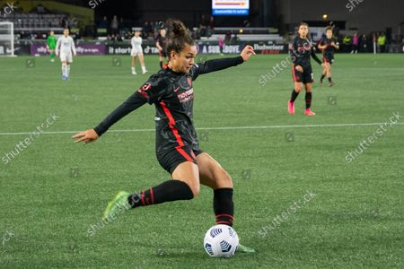 Sophia Smith (9 Portland Thorns) service in the box during the National Womens Soccer League game between Portland Thorns v OL Reign at Providence Park in Portland, Oregon