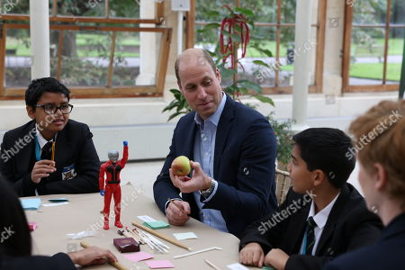 Stock Photo of Prince William visits Kew Gardens to take part in a Generation Earthshot event with children from The Heathlands School, Hounslow to generate big, bold ideas to repair the planet and to help spark a lasting enthusiasm for the natural world