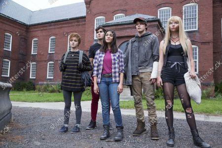 Maisie Williams, Henry Zaga, Blu Hunt, Charlie Heaton, Anya Taylor-Joy