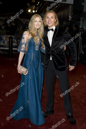 Laura Brent and William Moseley