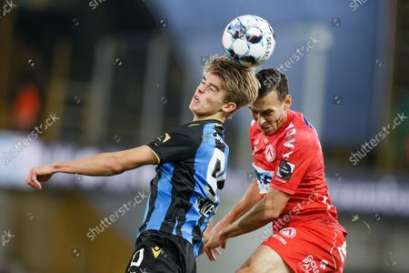 Club's Charles De Ketelaere and Kortrijk's Trent Sainsbury fight for the ball during a soccer match between Club Brugge and KV Kortrijk, Friday 15 October 2021 in Brugge, on day 11 of the 2021-2022 'Jupiler Pro League' first division of the Belgian championship.