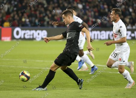 Ander Herrera of PSG, Vincent Manceau of Angers