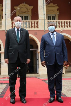 Angola President Joao Lourenco (R) and turkish counterpart Recep Tayyip Erdogan (L) during the welcoming cerimonies at Presidential Palace in Luanda, Angola, 18 October 2021.