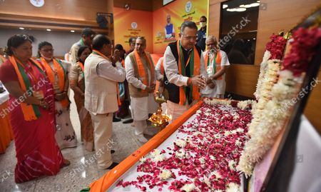 Raman Singh, former Chief Minister of Chhattisgarh along with BJP party leaders paying his respects to Deendayal Upadhyay and Syama Prasad Mukherjee during the office-bearers meet ahead of assembly polls at BJP HQ   on October 18, 2021 in New Delhi, India.