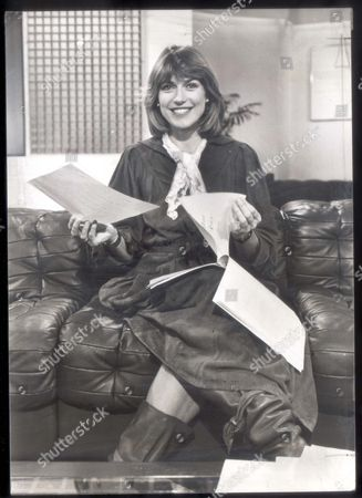 Selina Scott Newsreader Television Presenter 1983 Selina Scott The Girl The Bbc Is Backing To Take On Peter Jay's Glamorous Breakfast Tv Team Avoids The Razzmatazz Surrounding Her Rivals Anna Ford And Angela Rippon.... tv Presenter