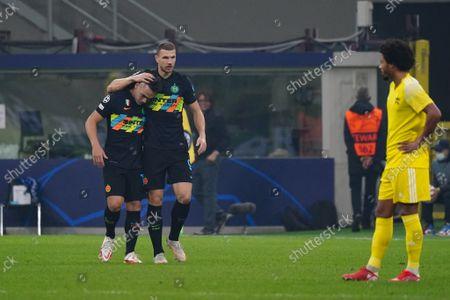 Edin Dzeko (FC Inter) and Lautaro Martinez (FC Inter)