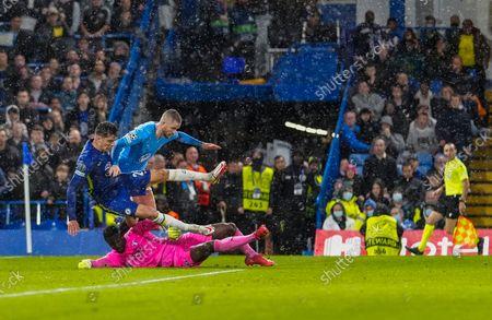 Ismael Diawara of Malmo denies a last chance by Kai Havertz of Chelsea