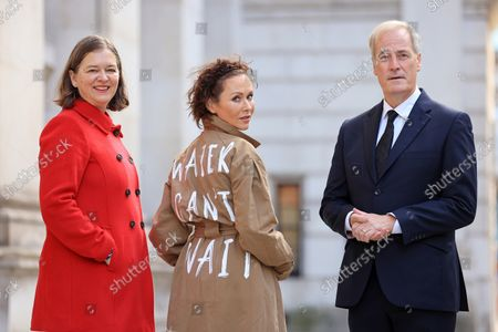 Stock Photo of Actor and director Amanda Mealing joined WaterAid at Whitehall today wearing a specially designed jacket with the words 'Water can't wait', to present an open letter to the UK Government urging them to ensure vulnerable communities have clean water so they can protect themselves from the effects of climate change. She is joined by Fleur Anderson, MP and co-chair of the WASH and Lord Bates.The letter, which was signed by over 19,000 people from across the UK, was addressed to Boris Johnson and Liz Truss, Secretary of State for Foreign, Commonwealth and Development Affairs and MP for south west Norfolk.  Together, they are calling on the UK Government to invest one-third of the UK's committed international climate funding on locally-led adaptation projects, which will help vulnerable communities get the essentials like a reliable source of clean water to better adapt to climate change.New figures from a poll commissioned by WaterAid found that half the UK population support giving money to poorer nations to help them cope with the impacts of climate change. Two in five Brits (40 per cent) think the UK's influence and standing in the world would take a hit if the UK Government failed to meet its commitments to developing countries on climate change.