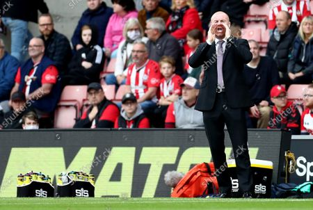 Burnley Manager Sean Dyche shouts.